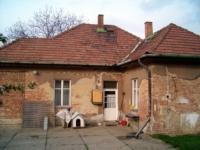 Bécsi u. 39.9 MFt - 110 m2Eladó családi ház Üröm