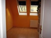 Fő utca 18.4 MFt - 69 m2Eladó tégla építésű lakás Dunakeszi