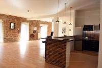 Tinódi utca bérlet: 560.79 EFt - 141 m2Eladó tégla építésű lakás Kiadó