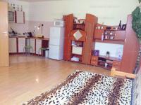 Kőris utca 23-29 bérlet: 45 EFt - 8 m2Eladó szoba Kiadó